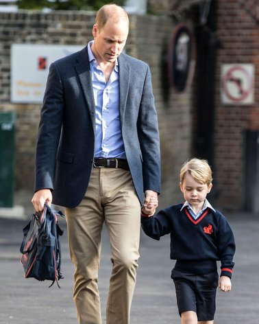 Cool Photo... UK: A Prince bringing his Prince to school for the first time